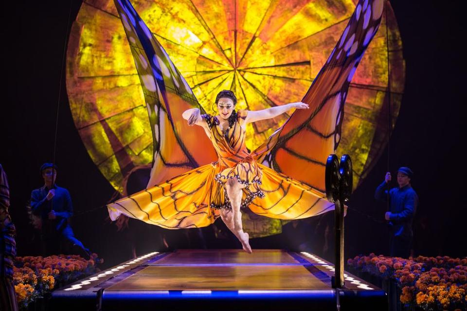 Cirque du Soleil's Luzia - a waking dream of Mexico. (Matt Beard / Costumes: Giovanna Buzzi / 2016 Cirque du Soleil)