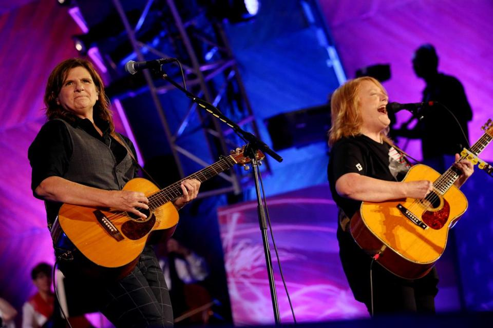 Boston, MA - July 04, 2018: The Indigo Girls perform during the Boston Pops Fireworks Spectacular at the Hatch Shell on the Esplanade in Boston, MA on July 04, 2018. (Craig F. Walker/Globe Staff) section: metro reporter: