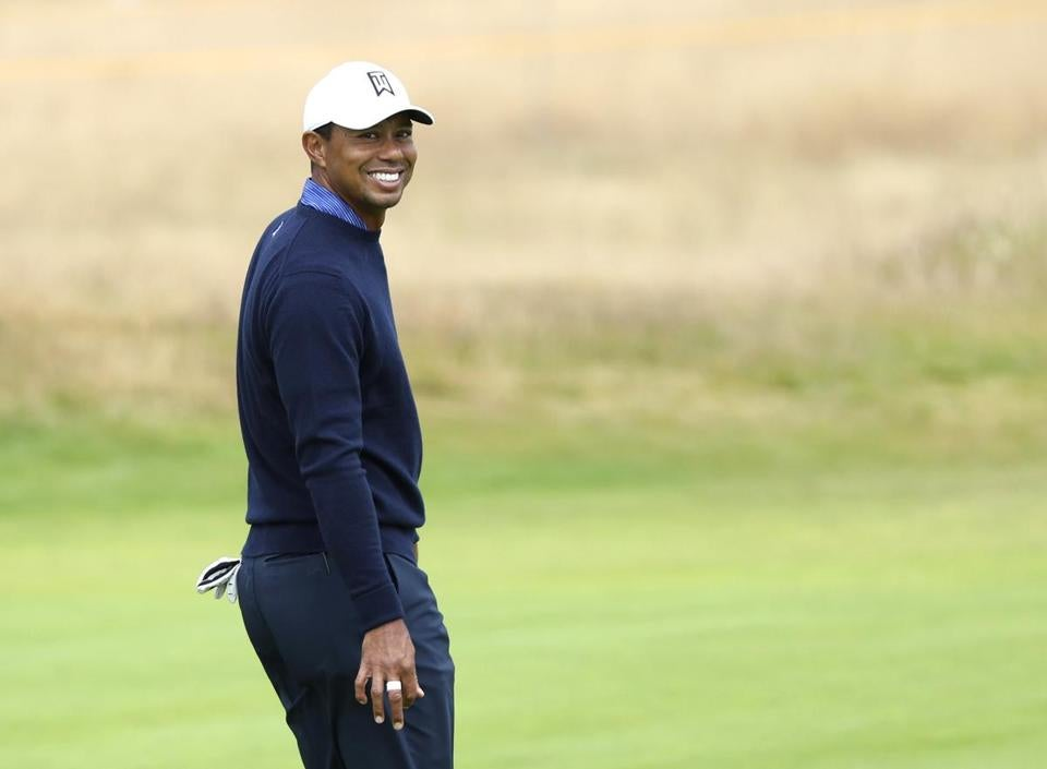 links golf at carnoustie suits tiger woods