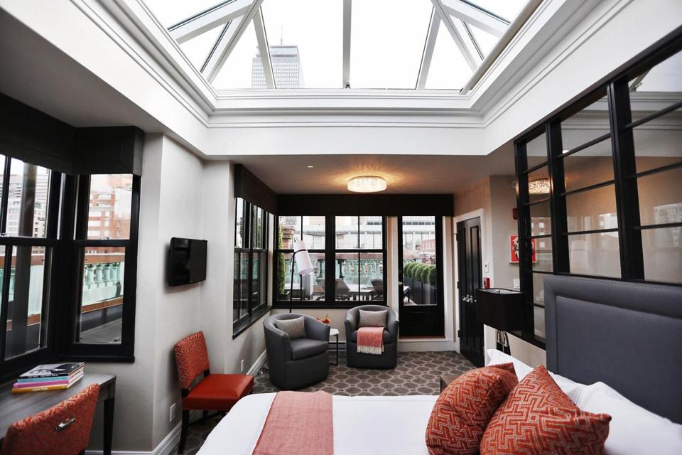 The penthouse suite at No. 284 has an atrium glass roof and private terrace.