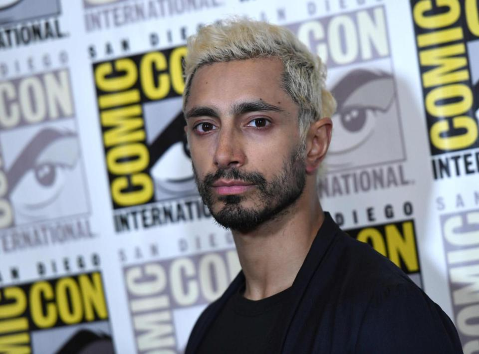 British actor Riz Ahmed arrives for the press line of Venom at Comic Con in San Diego, Californoa on July 20, 2018. / AFP PHOTO / CHRIS DELMASCHRIS DELMAS/AFP/Getty Images