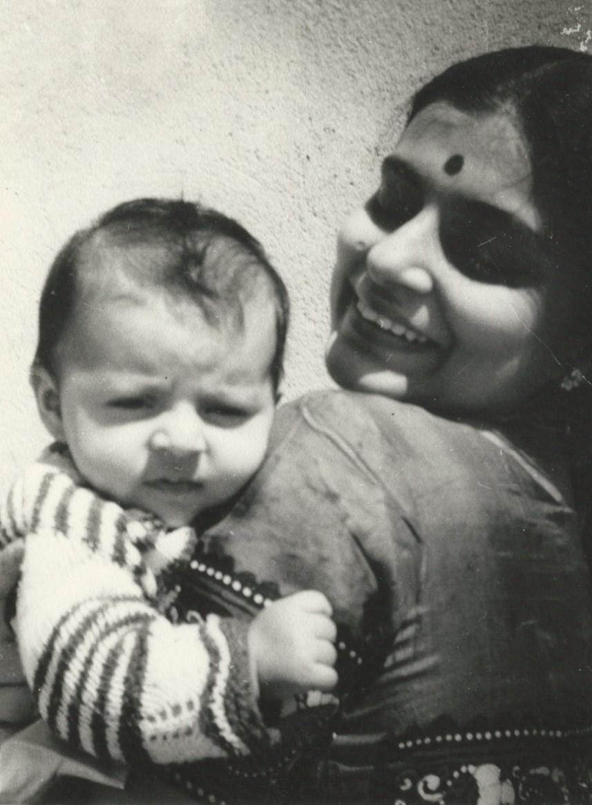 Sharmila as a baby with her mother, Aparna Sen, 1971.