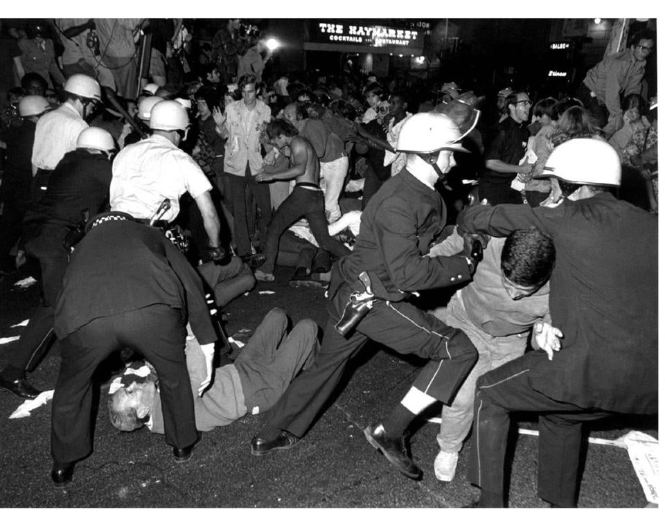 Chicago Police And Protesters At The Democratic National Convention In 1968