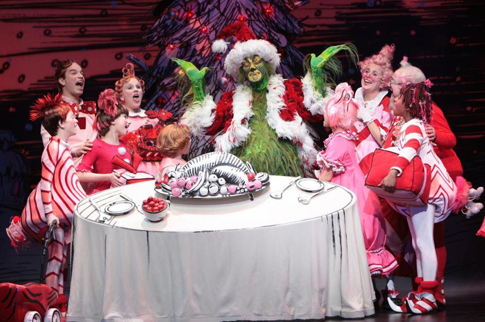 stefan karl stefansson as the grinch with the 2008 touring cast of dr seuss - How The Grinch Stole Christmas Cast
