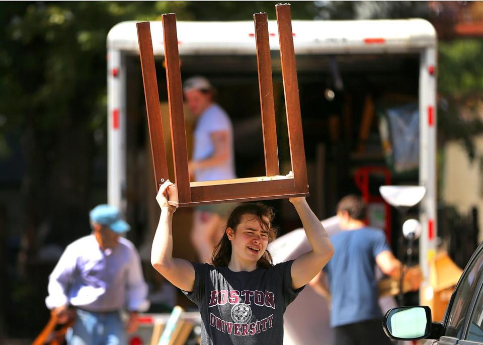 Students move into and out of Allston apartments - The ...