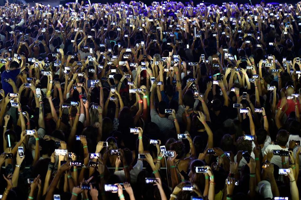 Smartphone society