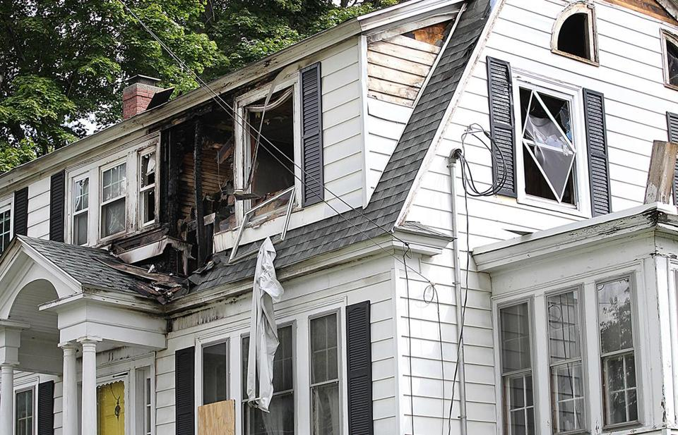 GAS SLIDER North Andover, MA, 09/14/18, The burned out home at 11 Herrick Street due to the gas explosions. Suzanne Kreiter/Globe staff
