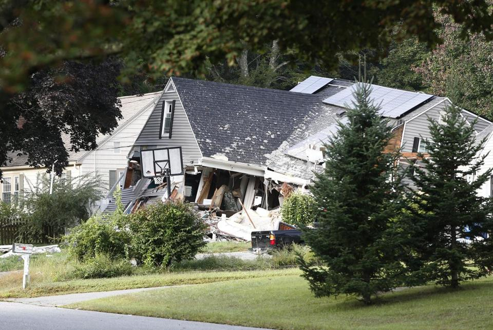 Lawrence, MA--9/14/2018-- Debris remains from a house that exploded on Chickering Rd in Lawrence. (Jessica Rinaldi/Globe Staff) Topic: Reporter: