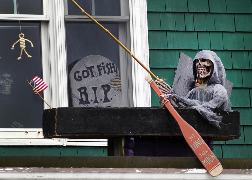 A skeleton in a coffin graced the top of the Boston Harbor Yacht Club in years past. At Six Flags New England, several contestants will try to spend 30 consecutive hours lying in a 2-foot-by-7-foot coffin.