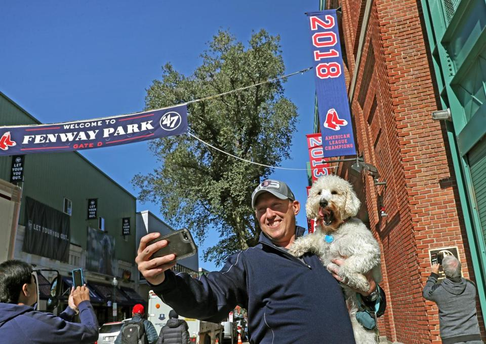 Red Sox Fans Revel In Another Pennant Victory The Boston Globe