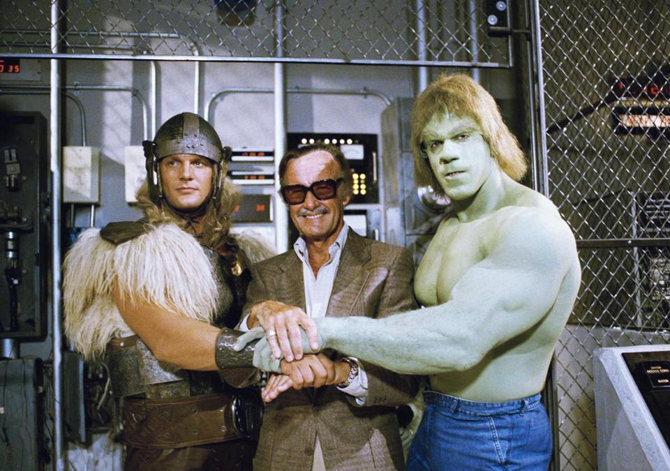 Stan Lee (center) posed with Lou Ferrigno (right) and Eric Kramer who portray 'The Incredible Hulk' and Thor, respectively, in a special movie for NBC in 1988.)