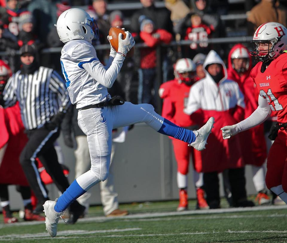 Scituate's Aidan Hatt makes a reception during Scituate's 28-26 Thanksgiving Day win over Hingham at Hingham High School.