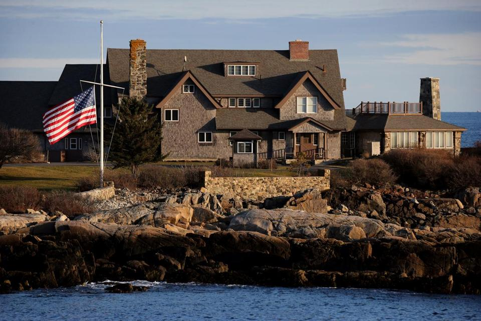 George H W Bush Kennebunkport Remembers Its Famous Resident And
