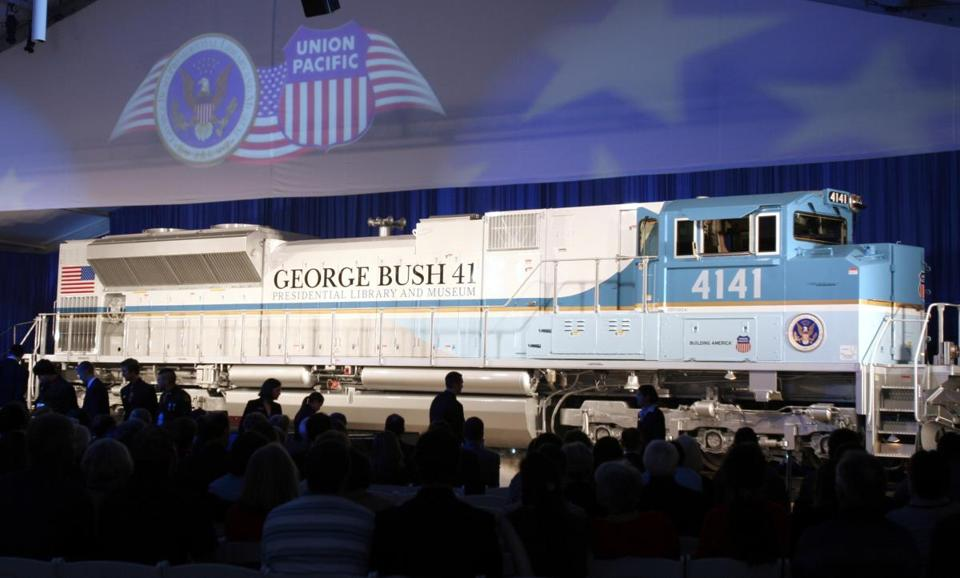 A new locomotive numbered 4141 in honor of the 41st president, George H.W. Bush, was unveiled at Texas A&M University in College Station, Texas and will be used to pull the late president's funeral train.