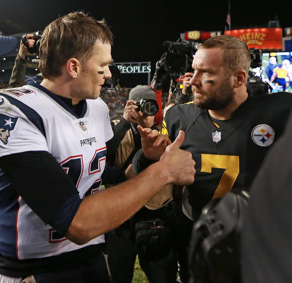 Tom Brady gives a thumbs up to Ben Roethlisberger when they met at midfield after the game.