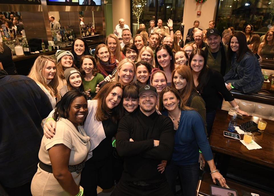 19names - ***ONE TIME USE*** - Mark, Donnie, Paul, Alma and extended Wahlberg family members celebrated the opening of their newest Wahlburgers restaurant in their hometown of Dorchester, Massachusetts at South Bay Shopping Center. (Brian Babineau Photography)