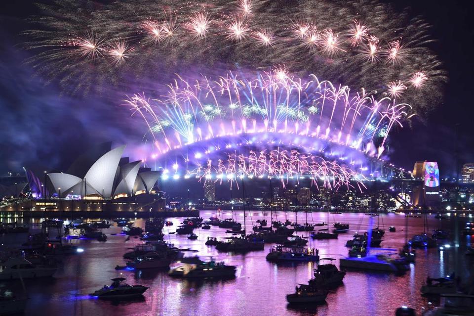 Boston New Years Eve 2020.London 2020 New Years Eve Fireworks Boston Kqmxts