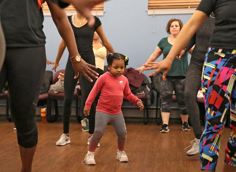 Dorchester MA 1/8/19 Nivea Blanc 3, participating in a AfroBeats Dance Boston class at the Alexander Magnolia Co-op. (photo by Matthew J. Lee/Globe staff) topic: reporter: