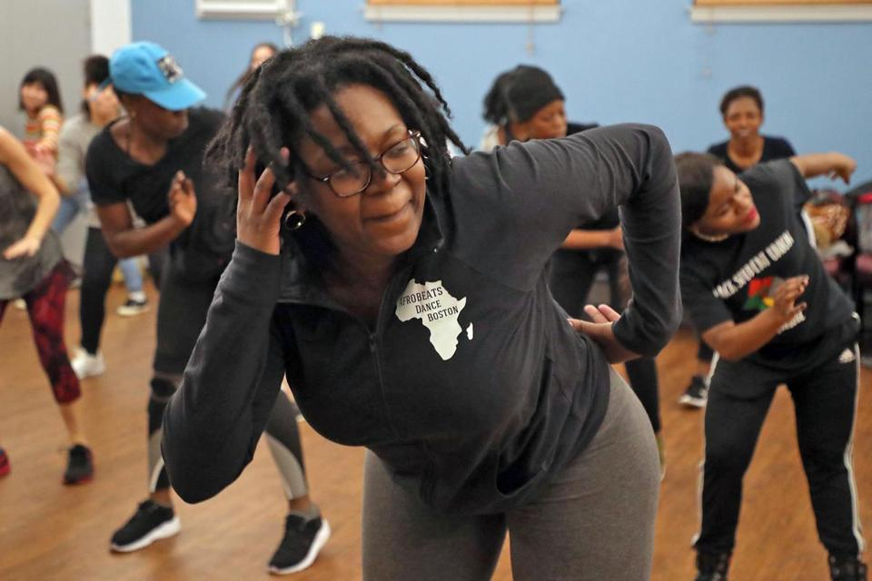 Dorchester MA 1/8/19 Charnice Charmant co-director of AfroBeats Dance Boston teaching a class at the Alexander Magnolia Co-op. (photo by Matthew J. Lee/Globe staff) topic: reporter: