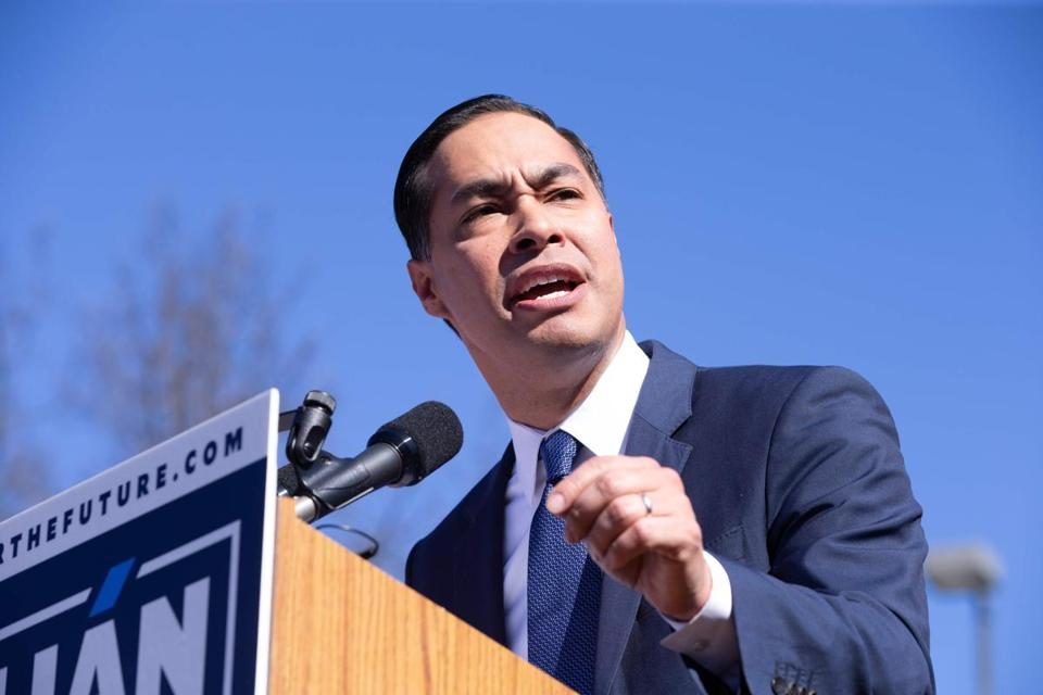 Juliàn Castro announced his candidacy for president in his hometown of San Antonio on Saturday.