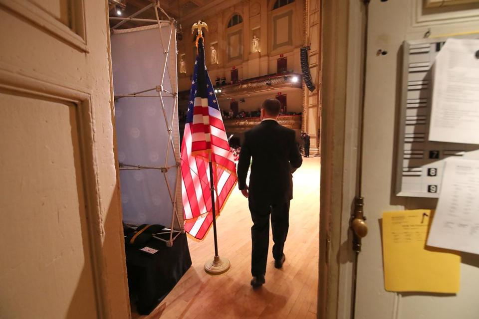 Boston MA 1/15/19 Boston Mayor Martin J. Walsh walking onto the stage before giving his State of the City address at Symphony Hall. (photo by Matthew J. Lee/Globe staff) topic: reporter: