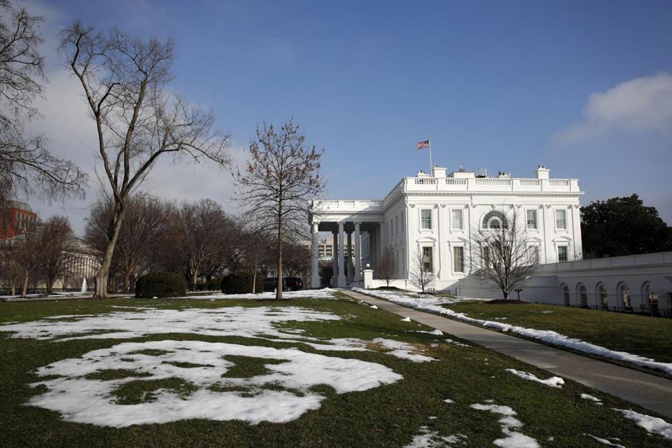 Today in the Shutdown: Standoff hits White House caretaking staff