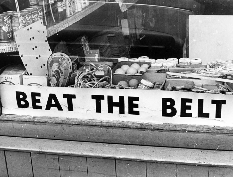 A store on Pearl Street in Cambridge displayed an anti-Inner Belt sign.