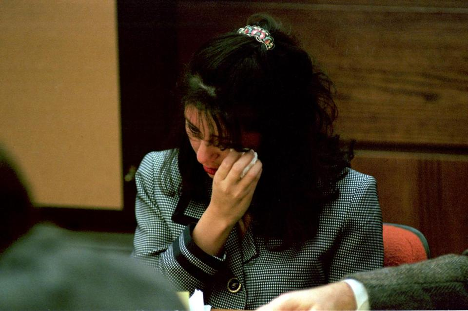 Lorena Bobbitt wiped away tears during her 1994 trial. A new Amazon docu-series looks back at the high-profile case.