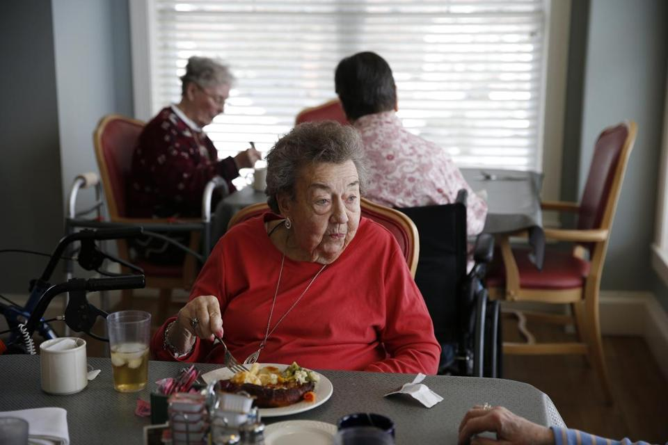 Marlborough, MA, 03/13/2019 -- Winnie Glennon ate lunch with friends and fellow residents at Christopher Heights, an assisted living residence in Marlborough. (Jessica Rinaldi/Globe Staff) Topic: xxseniorhousing Reporter: