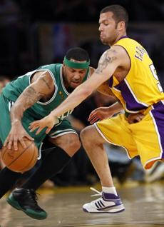 Boston's Eddie House battled with Los Angeles' Jordan Farmar during the fourth quarter of Game 4.