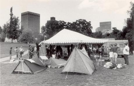 Occupy Boston wasnu0027t the cityu0027s first experience with tents. In 1984 demonstrators & A history of Boston protests (Photo 8 of 15) - Pictures - The Boston ...