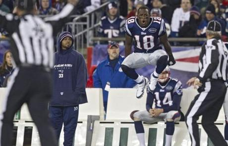 Matthew Slater reacted to the call against the Patriots.