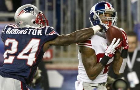 Mario Manningham caught an Eli Manning pass for a touchdown in the fourth quarter.