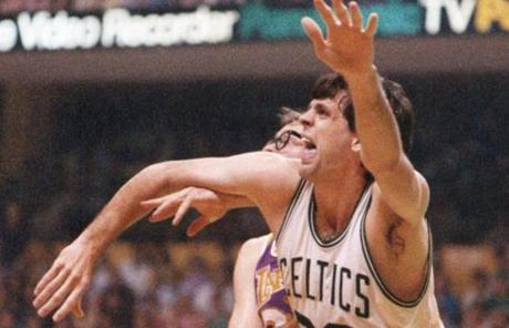 No. 5: Kevin McHale: 17,335 points.