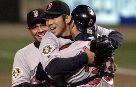 In 2001, Varitek caught Hideo Nomo's no-hitter, the first of an MLB-record four no-hitters he would catch in his career.