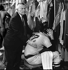 Red Sox owner Tom Yawkey consoled Carlton Fisk after the team was eliminated from playoff contention on Oct. 3, 1972