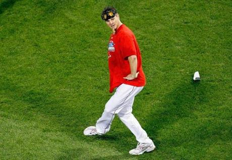 Jonathan Papelbon danced on the Fenway Park field after defeated the Indians in the 2007 ALCS.