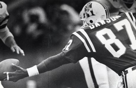 Lin Dawson (1981-90) played his entire career in New England. He never caught 40 passes in one season, however.