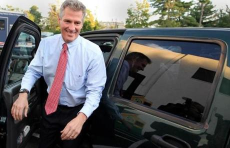 Sen. Brown arrived at the studios of WBZ-TV for the debate.