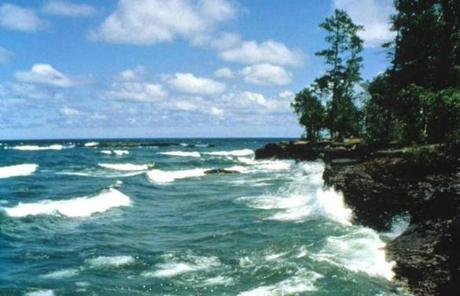Lake Superior beckons on a Great Lakes itinerary.