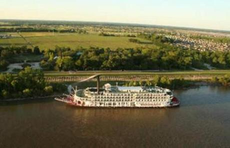 The American Queen plies the Mississippi River.