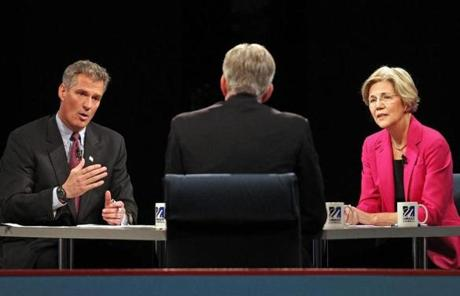With David Gregory of NBC News at moderator, Senator Scott Brown and Elizabeth Warren debated at UMass Lowell.