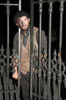 Actor Ryan T. Jennings on the Ghosts and Gravestones tour.