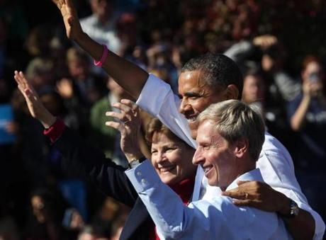 Senator Jeanne Shaheen and New Hampshire Governor John Lynch appeared with Obama at the rally.