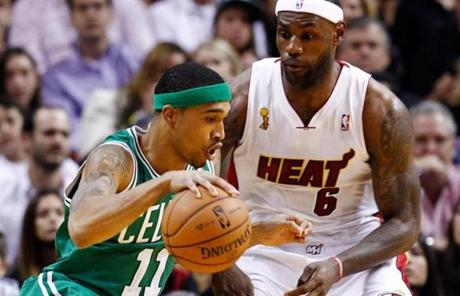 Courtney Lee handled the ball while being guarded by James.