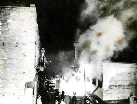November 28 1942 / Eyewitness Benjamin Ellis of Beacon Street was standing just across the street when the fire broke out.