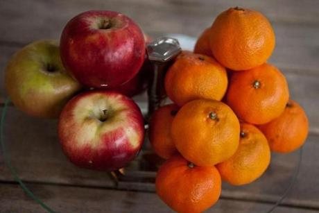 Apples and tangerines.