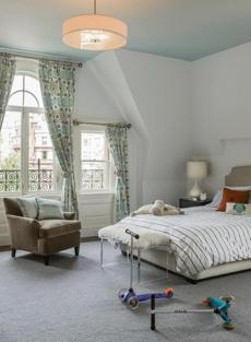 Back Bay condo for 0203 Mag Your Home issue. Designer: Annie Hall