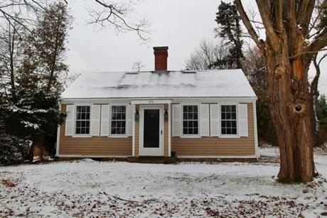 The house is near the MBTA'sWeymouth and West Hingham commuter rail stops and is also a short walk to Bare Cove Park.