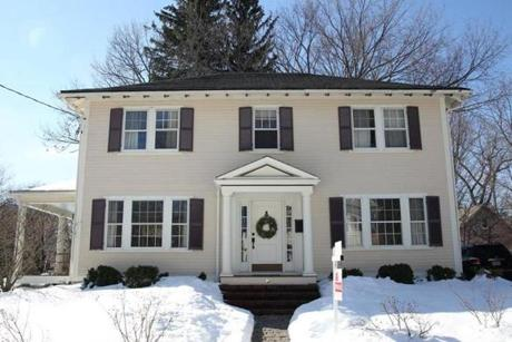 Dedham,Massachusetts 02-13-2013 Exterior of Home of The Week at 6 Marion Street . ( Jonathan.Wiggs )Topic:Section:Reporter: Topic: Reporter: